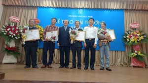 Trao giải thưởng sáng tác về 'Biên giới biển đảo'