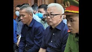 Xét xử vụ án tại Ngân hàng Đông Á: Bị cáo Trần Phương Bình xin lỗi các bị cáo đồng phạm