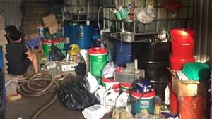 TP Hồ Chí Minh: Khởi tố đường dây sản xuất, buôn bán dầu nhớt giả