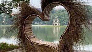Bờ Hồ là trái tim hồng
