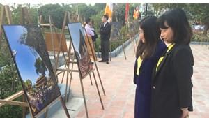 Quảng Ninh: Trưng bày 70 tác phẩm ảnh về chùa Quỳnh Lâm