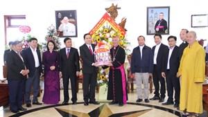 BẢN TIN MẶT TRẬN: Chủ tịch Trần Thanh Mẫn chúc mừng Giáng sinh đồng bào Công giáo Nghệ An