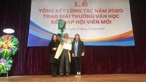 Nhà văn Hoàng Quốc Hải nhận Giải văn học thành tựu trọn đời
