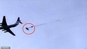 [VIDEO]: Xe tăng Nga 'nhảy dù' từ máy bay vận tải quân sự