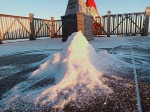 Nhiệt độ -3 độ C, tuyết phủ trắng đỉnh Fansipan