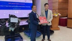 Trường Cao đẳng Cơ điện Hà Nội tiếp nhận 3 động cơ ôtô của Vinfast