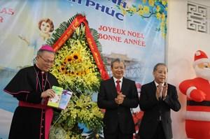 Lãnh đạo Thừa Thiên - Huế và Quảng Trị chia vui Giáng sinh với Tòa Tổng Giám mục Giáo phận Huế