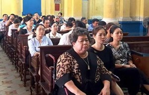Tiếp tục xét xử vụ án tại Ngân hàng TMCP Đại Tín: Người thân bà Hứa Thị Phấn phạm tội do cả tin?