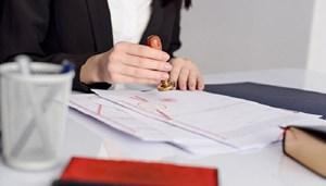 Hủy bỏ giấy tờ, văn bản chứng thực không đúng quy định