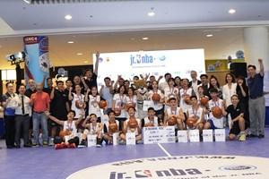 16 cầu thủ bóng rổ nhí xuất sắc sang Thượng Hải tập huấn