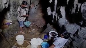 [VIDEO] Ngôi làng Indonesia phải sống nhờ nước từ hang động