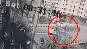 [VIDEO] Khoảnh khắc xe khách 45 chỗ mất lái, gây tạn nạn kinh hoàng trên cầu Bãi Cháy