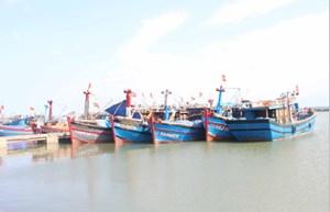 Thừa Thiên – Huế: Kêu gọi tàu thuyền không được vươn khơi