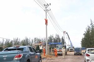 Điện lực Bình Định khắc phục nhanh sự cố lưới điện sau bão số 5