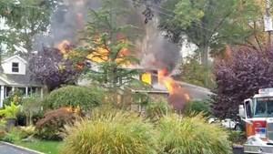 Tai nạn máy bay tại Mỹ, 1 căn nhà bị thiêu rụi hoàn toàn