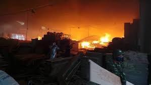 [VIDEO] Cháy lớn tại Khu công nghiệp Ngọc Hồi, Hà Nội