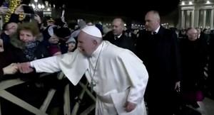 Phản ứng giận dữ của Giáo hoàng trước tín đồ quá khích