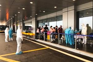Hơn 900 hành khách trở về từ Hàn Quốc qua Sân bay Vân Đồn chủ yếu là công dân Việt Nam