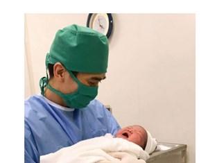 Quảng Ninh: Mổ thành công sản phụ sinh em bé nặng 6,1 kg
