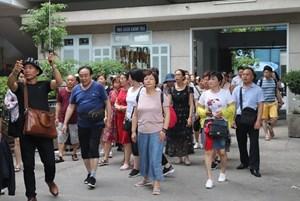 Bộ Văn hóa yêu cầu theo dõi chặt lịch trình của khách Trung Quốc tại Việt Nam