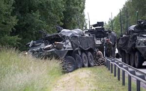 4 xe thiết giáp đâm nhau, 13 lính Mỹ bị thương