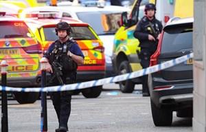Cảnh sát Anh xác nhận vụ tấn công trên cầu London là khủng bố