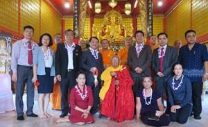 Phó Chủ tịch - Tổng Thư ký Hầu A Lềnh chào xã giao Phó Chủ tịch Quốc hội Thái Lan Supachai Phosu