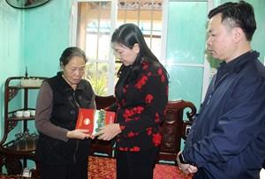 Mặt trận Hà Nội thăm gia đình các Liệt sĩ hy sinh tại Đồng Tâm