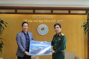 Mang hình ảnh biển, đảo Việt Nam đến Phái bộ gìn giữ hoà bình Liên hợp quốc
