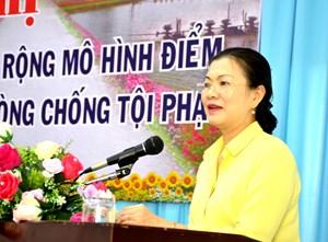 BẢN TIN MẶT TRẬN: Phó Chủ tịch Trương Thị Ngọc Ánh làm việc tại Sóc Trăng
