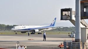 [VIDEO] Máy bay Boeing chở hơn 200 người cháy động cơ trên không