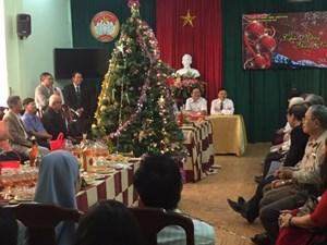 Lãnh đạo TP Huế gặp mặt, chúc mừng Giáng sinh