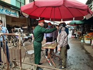 Quảng Ninh: TP Hạ Long kiểm soát chặt chẽ người ra vào tại các chợ