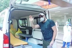 Bệnh nhân người Mỹ xuất viện: 'Tôi ấn tượng hệ thống y tế của Việt Nam!'