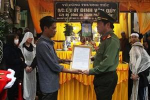 Thăng hàm Thiếu tá cho chiến sĩ hy sinh khi áp giải nghi phạm ở Ninh Bình