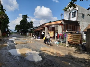 Thi công cao tốc Đà Nẵng - Quảng Ngãi: Làm hỏng đường nhưng không chịu sửa chữa