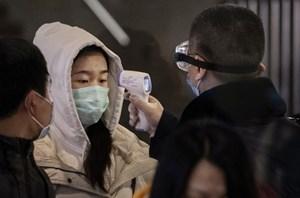 9 quan chức Trung Quốc bị xử phạt vì để lọt người nhiễm virus corona