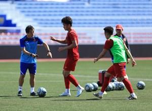 6 cầu thủ U22 Việt Nam ra sân tập, buồn vì chấn thương của Quang Hải