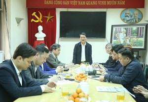 Phó Chủ tịch – Tổng Thư ký Hầu A Lềnh thăm và làm việc Báo Đại đoàn kết