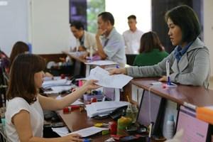Công chức bị hạ bậc lương, không được bổ nhiệm vào chức vụ cao hơn