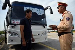 Xử lý nghiêm hành vi khai báo gian dối giấy phép lái xe