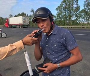 Phú Yên: CSGT Tuy An xử phạt 23 trường hợp 'uống rượu bia vẫn lái xe'