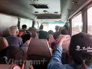 Người dân bị nhồi nhét, hét giá vé và không giãn cách ghế ngồi