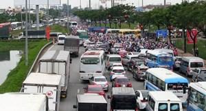 Đường về thành phố không kẹt xe nghiêm trọng