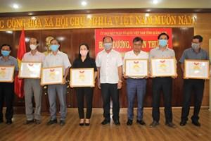 Quảng Nam: Tặng bằng khen cho 15 tập thể xuất sắc trong công tác phòng, chống dịch Covid-19