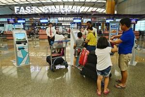 Đưa hơn 200 công dân Việt Nam từ Singapore về nước