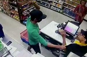 Truy tố băng cướp nhí chuyên cướp các cửa hàng tiện ích ở Sài Gòn
