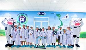 Vinamilk chính thức được chọn là nhà cung cấp sữa học đường tại Vĩnh Long
