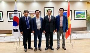 BẢN TIN MẶT TRẬN: Chủ tịch Trần Thanh Mẫn thăm và làm việc với Văn phòng xúc tiến du lịch Việt Nam - Hàn Quốc