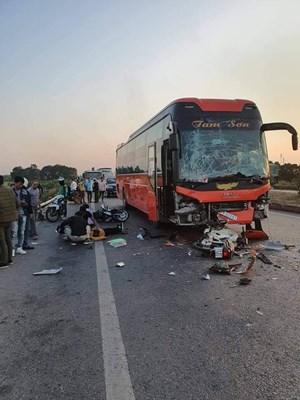 Danh tính nữ phụ xe xuống đóng cốp chết thảm sau tai nạn liên hoàn
